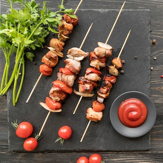 Chicken grilled skewers with vegetables