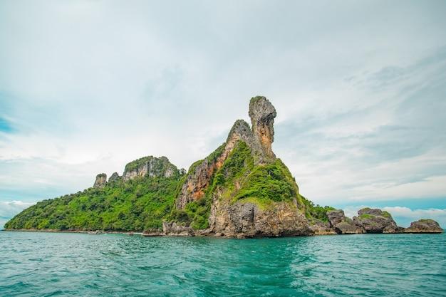 Chicken island, koh gai or koh khai. shaped like a chicken, famous island in krabi