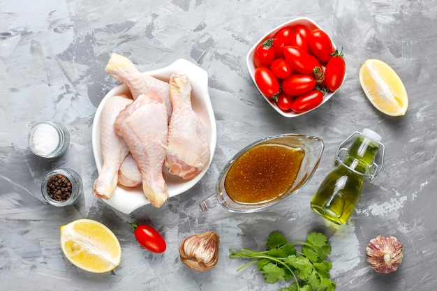 Куриные ножки со специями и солью готовы к варке.