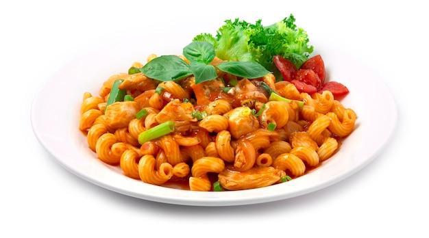 チキンマカロニとトマトソース