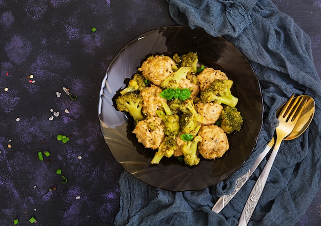 Chicken meatballs with broccoli