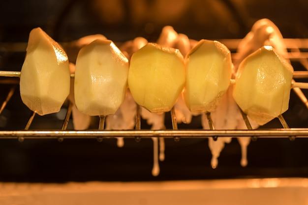 オーブンで焼いたチキンシシカバブ