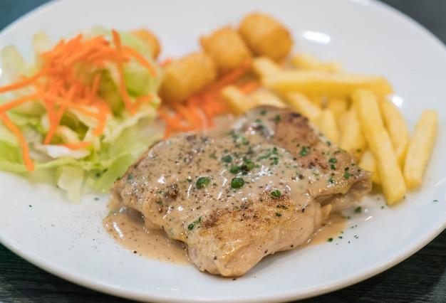 Соус из куриного мяса и перца