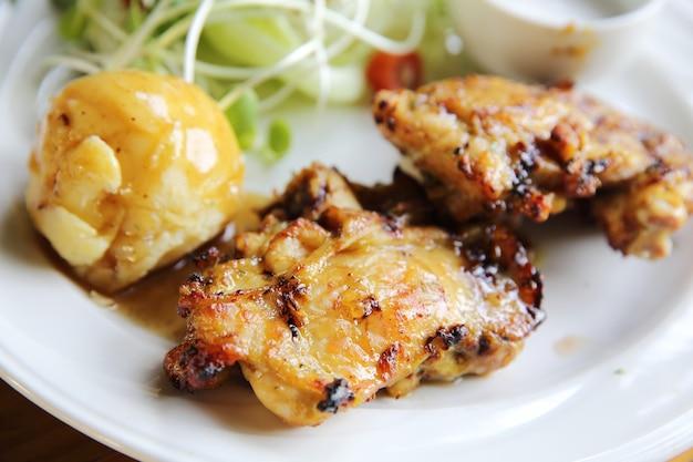 Куриный стейк с картофелем