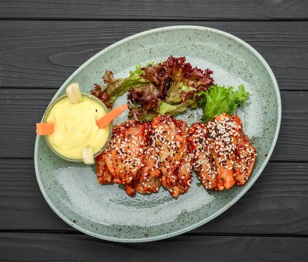 Куриные крылышки. традиционный азиатский рецепт