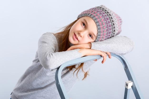 아이 소녀 모자 프리미엄 사진
