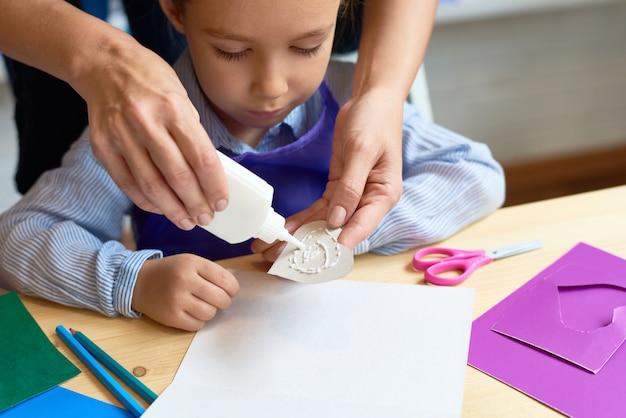 Ребенок в дошкольном уроке