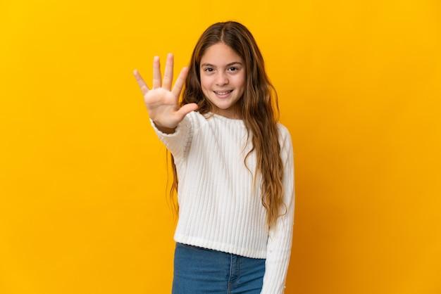 손가락으로 5 세 고립 된 노란색 이상의 아이