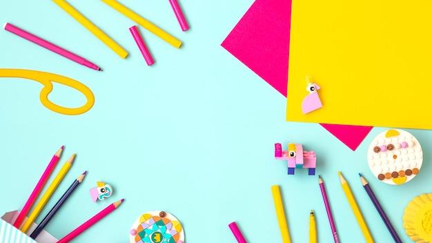 Детская художественная концепция красочная плоская планировка