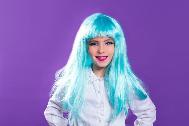 Fashiondoll로 푸른 truquoise 긴 가발을 가진 아이들 소녀