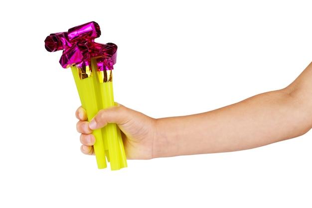 Детская рука и игрушка