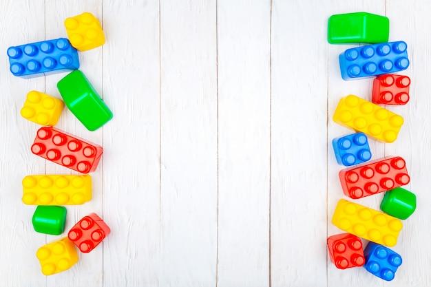 Children's plastic building blocks
