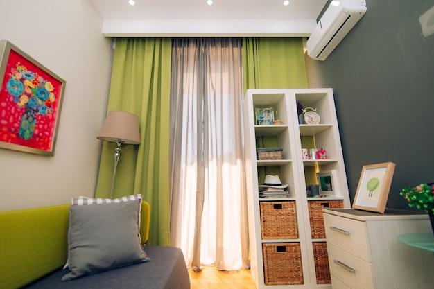 子供部屋。アパートのインテリアデザインの子供部屋。