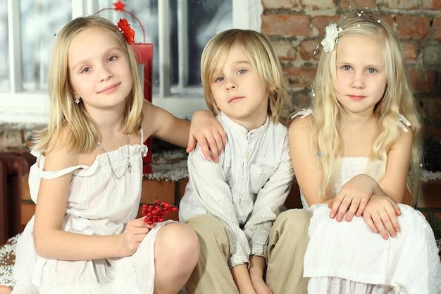 子供-笑顔の子供、親友