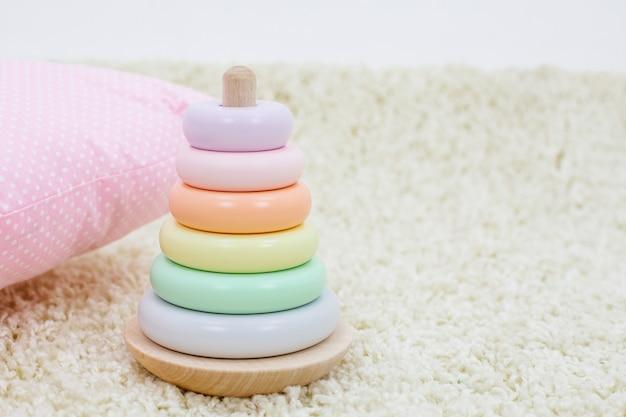 어린이 장난감 무지개 색 피라미드