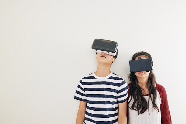 Children in virtual reality glases