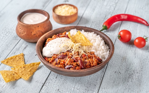 Chili with meat served with white rice