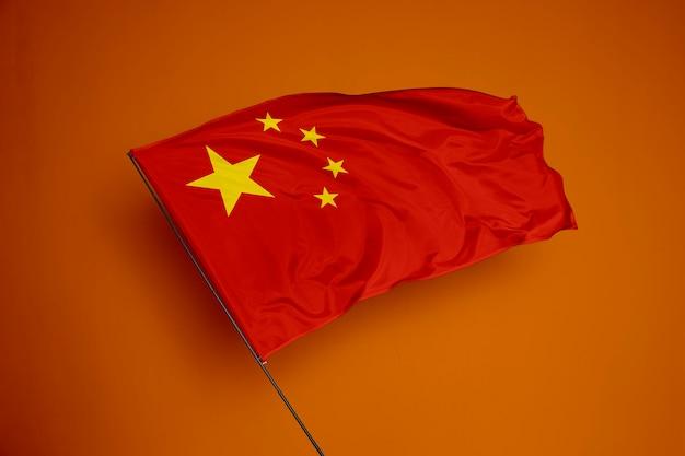 背景に中国の旗