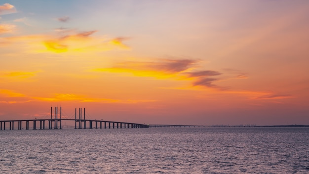 China's famous cable-stayed bridge, jiaozhou bay sea-crossing bridge in qingdao, shandong province and the sea scenery Premium Photo