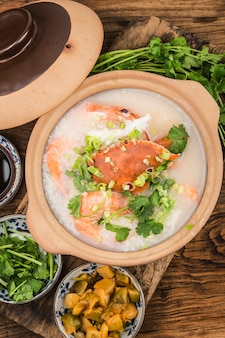 中華料理:キャセロールシーフードお粥。シーフードお粥。