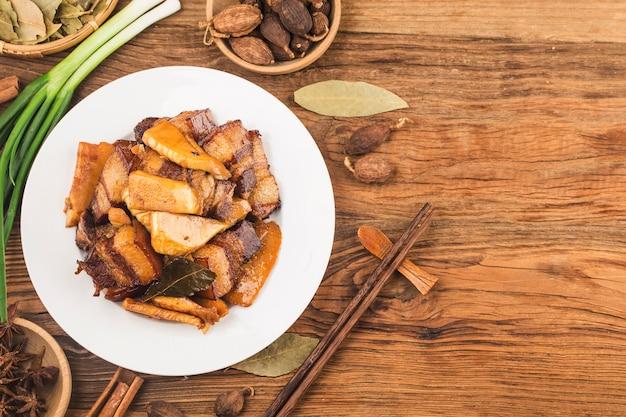 中華料理:タケノコの煮込み豚肉