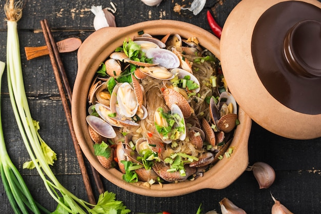 中華料理:アサリと春雨のキャセロール