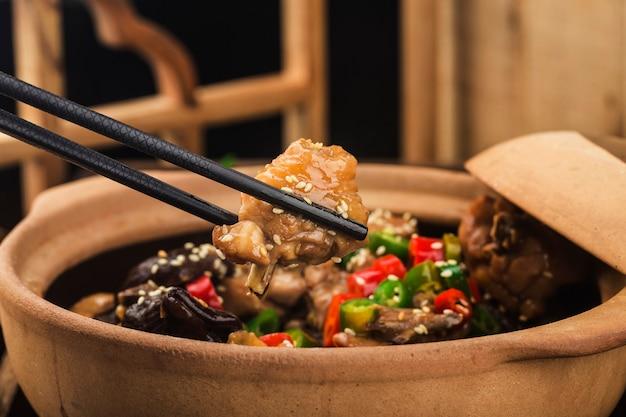 中華料理マッシュルームチキンキャセロール