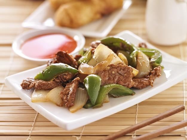 中華料理、レストランでのペッパービーフ