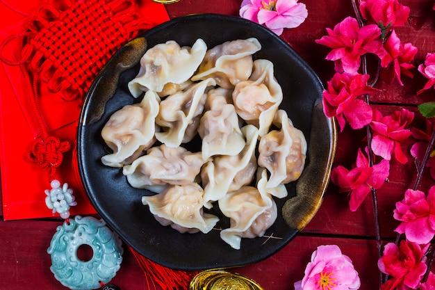 中国語のjiaozi新年の料理