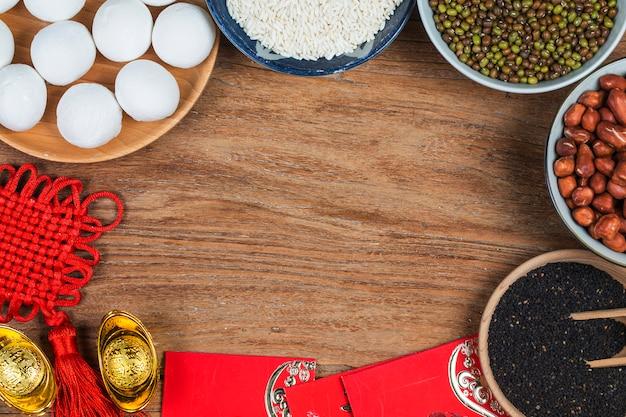 중국 등불 축제 음식, 부와 번영. 찹쌀 공