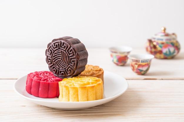中秋節の中国の月餅ダークチョコレート味