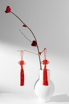 중국 새 해 2021 꽃과 붉은 장식