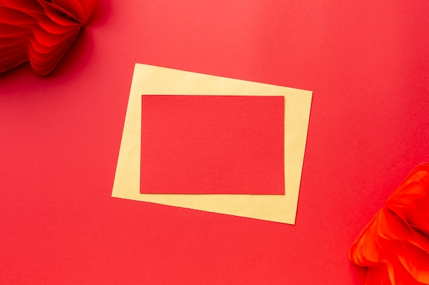 ランタンと中国の新年カードモックアップ