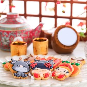 Китайский новый год imlek сахарное печенье с сахарной глазурью.