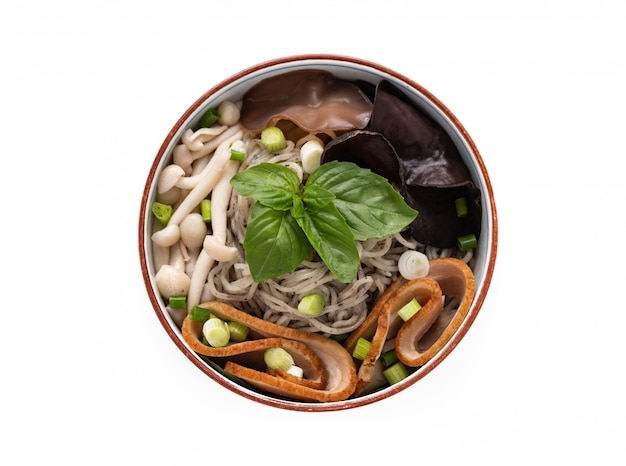Chinese noodle with mushroom vegetables