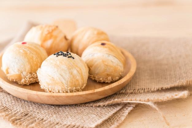 卵黄を持つ中国産ペストリー・ムン・ビーン