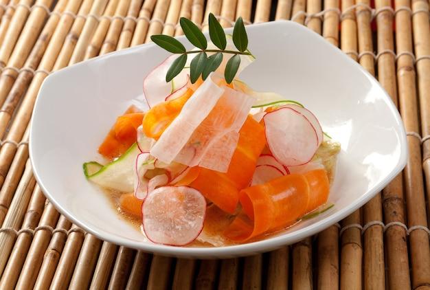 Китайский салат. крупный план