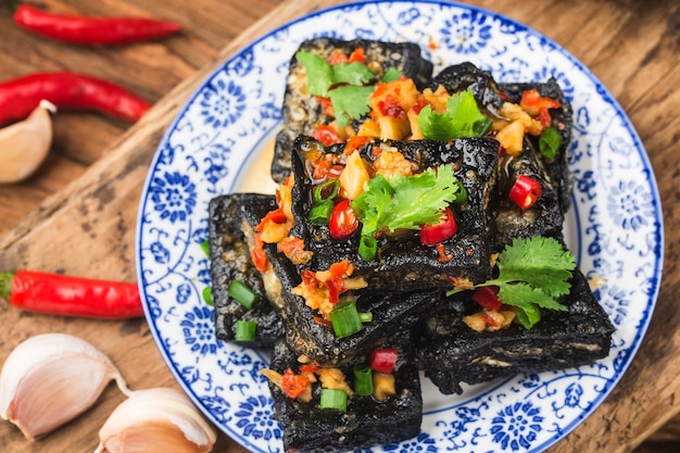 Uno spuntino cinese: tofu puzzolente