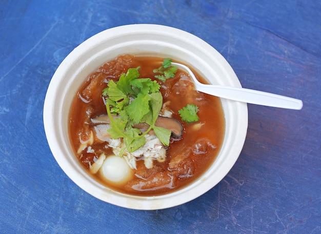 中華スープや魚のコンソメスープ