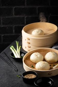 중국식 만두 바오지와 찜기