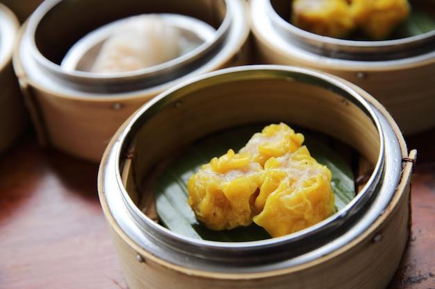 중국식 돼지고기 만두 딤섬