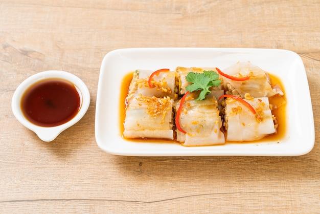 中国の蒸し米麺ロール