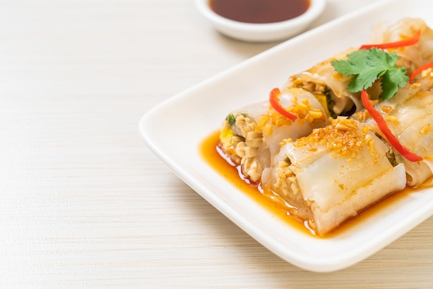 Chinese steamed rice noodle rolls