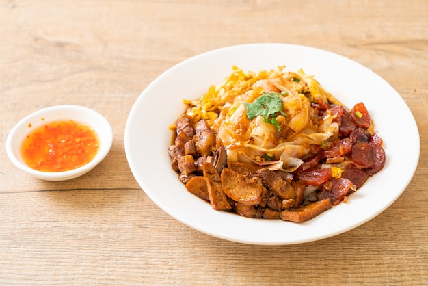 Китайская рисовая лапша на пару - азиатский стиль еды