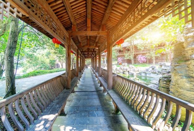 중국 스타일의 전통 목조 건물