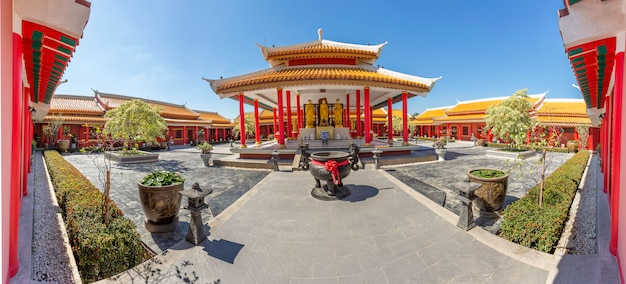Китайский храм в китае