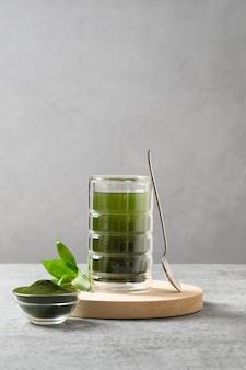 Здоровый напиток с хлореллой
