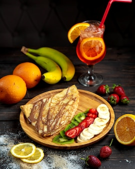 Chocolade crepe with fresh fruits