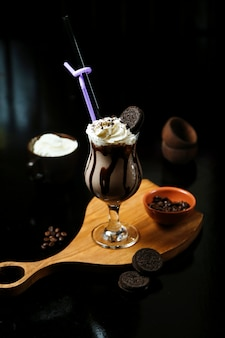 Chocolade ice cocktail with oreo cookie