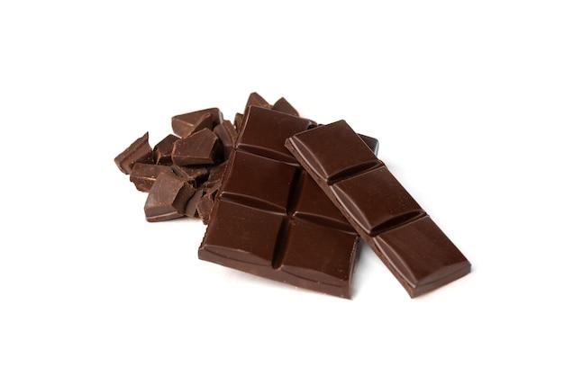 白い背景で隔離のチョコレートバー。